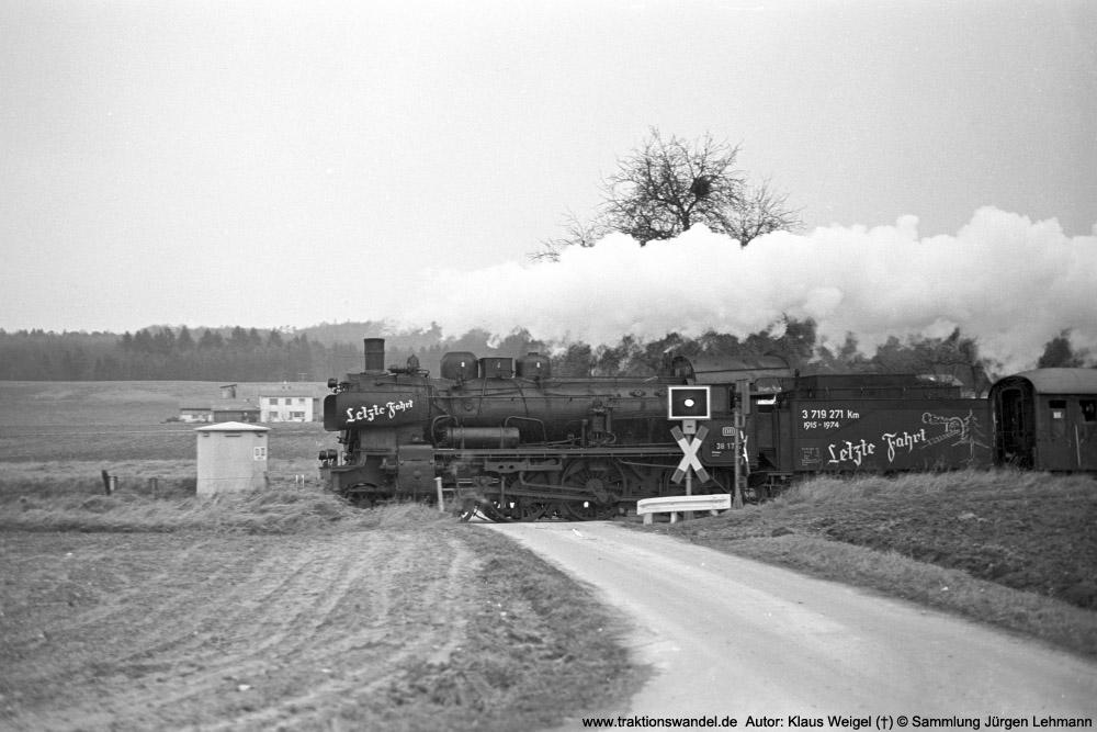 http://www.traktionswandel.de/pics/foren/kl-we/1974-12-31_sw40-17_038772-0_BwRottweil_Sdz_KlausWeigel_1000.jpg