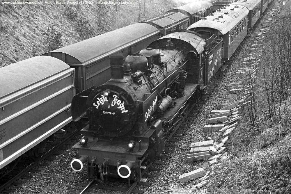 http://www.traktionswandel.de/pics/foren/kl-we/1974-12-31_sw40-26_038772-0_BwRottweil_Sdz_HpAlbert-Hauenstein_KlausWeigel_1000.jpg
