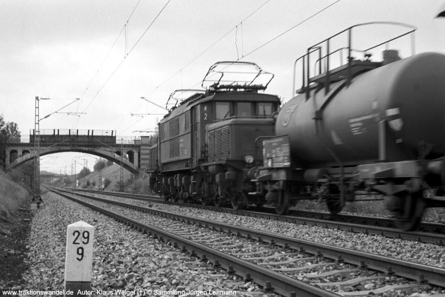 http://www.traktionswandel.de/pics/foren/kl-we/197x-xx-xx_sw22-11_193006-4_BwKornwestheim_Gz_b-Reutlingen_KlausWeigel_900.jpg