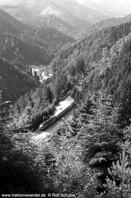 http://www.traktionswandel.de/pics/schwarzwald/1975-07-14_a310-2-35.jpg