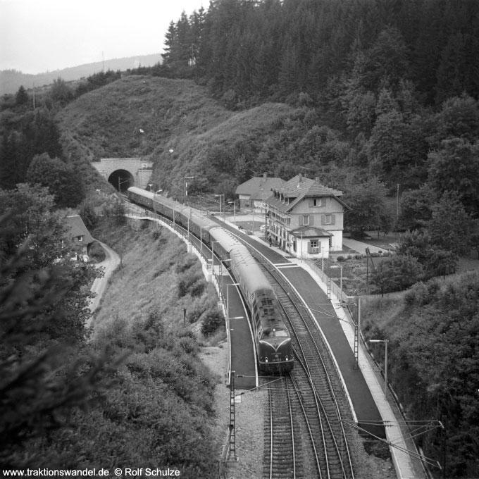 http://www.traktionswandel.de/pics/schwarzwald/1975-07-24_c37-01.jpg
