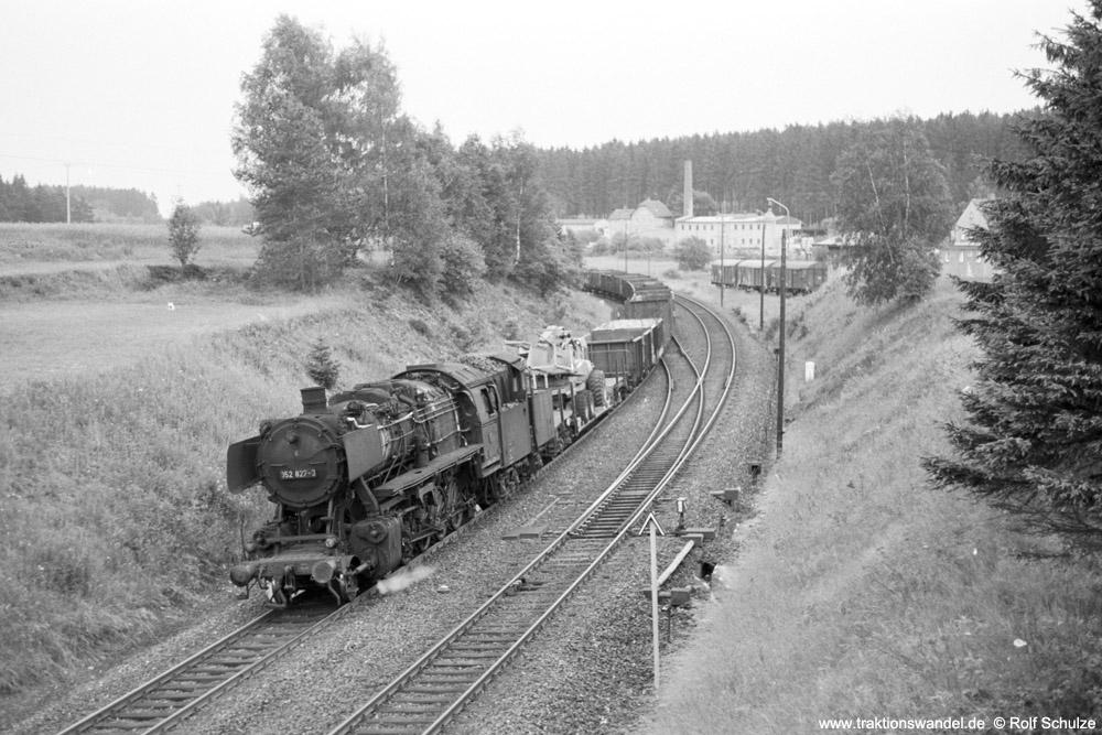 https://www.traktionswandel.de/pics/foren/hifo/1974/1974-07-16_A249-17_052827-3_BwSchwandorf_Bdg77020_b-Roeslau_1000.jpg