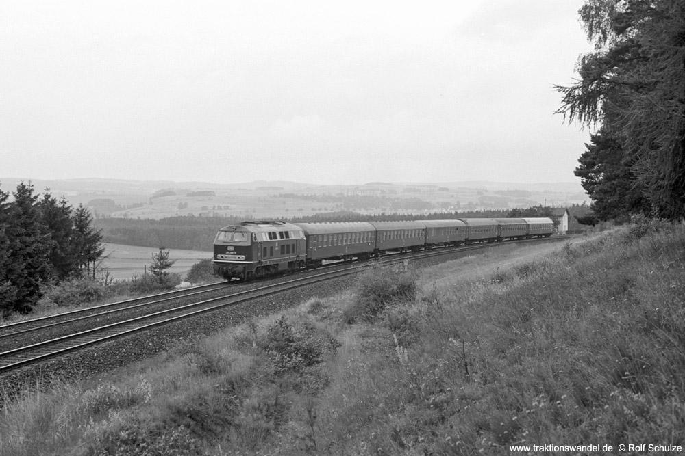https://www.traktionswandel.de/pics/foren/hifo/1974/1974-07-17_A249-24_218288-9_BwRegensburg_D867_b-Himmelkron-SchiefeEbene_1000.jpg