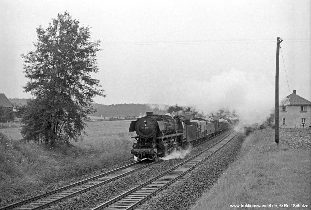 https://www.traktionswandel.de/pics/foren/hifo/1974/1974-07-24_A252-26_044276-4_BwWeiden_Dg56175(38x)_b-Roeslau_1000.jpg