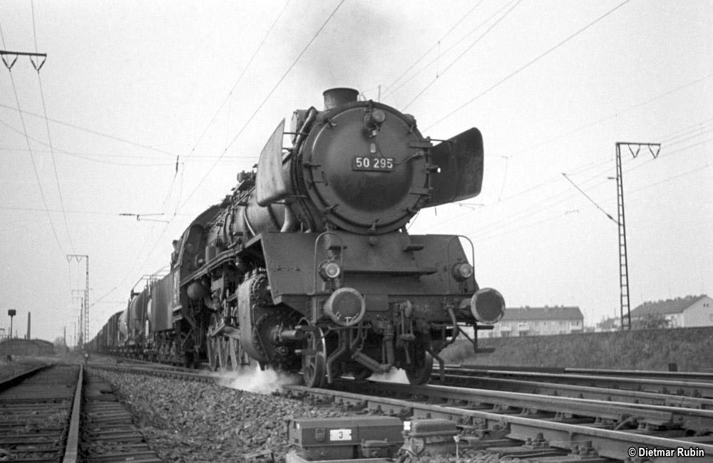 https://www.traktionswandel.de/pics/foren/hifo/rubin/1962-05_014ag38_50295_BwFrankfurt-M-2_Gz_Frankfurt-Niederrad_DietmarRubin_1000.jpg
