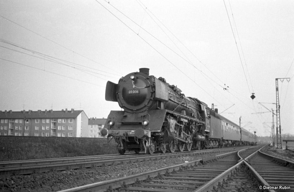 https://www.traktionswandel.de/pics/foren/hifo/rubin/1962-05_014ag42_01008_BwLudwigshafen_D1111_Frankfurt-M-Niederrad_DietmarRubin_1000.jpg