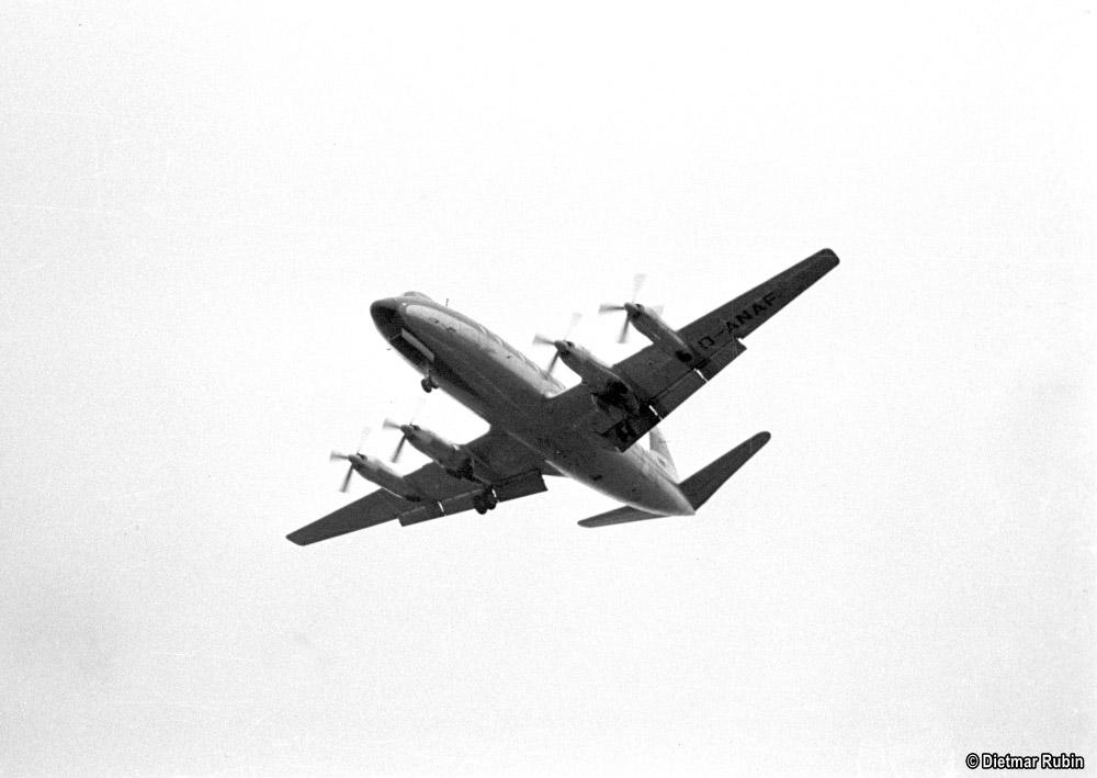 https://www.traktionswandel.de/pics/foren/hifo/rubin/1962-05_014ag48_Propellerflugzeug_Frankfurt-M_DietmarRubin_1000.jpg