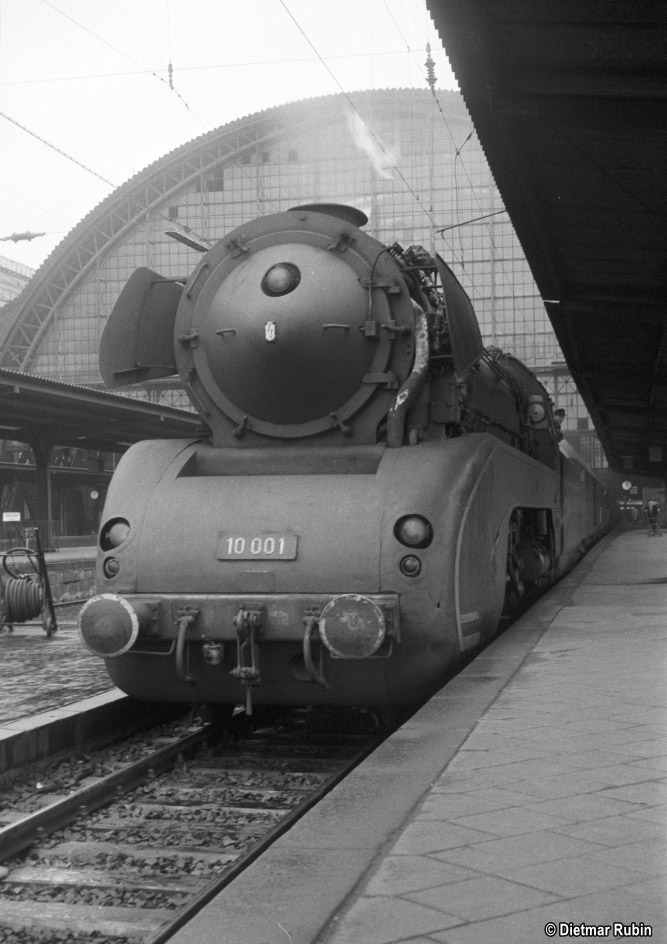 https://www.traktionswandel.de/pics/foren/hifo/rubin/1963_029ko00_10001_BwKassel_Frankfurt-M-Hpbf_DietmarRubin_667.jpg