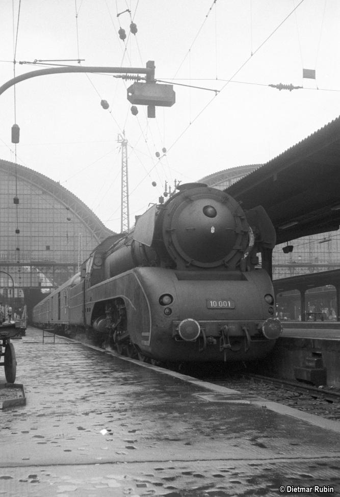 https://www.traktionswandel.de/pics/foren/hifo/rubin/1963_029ko02_10001_BwKassel_Frankfurt-M-Hpbf_DietmarRubin_667.jpg
